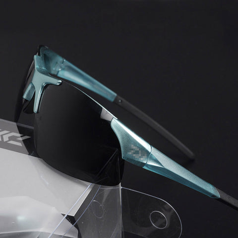 Polarized Sporting Sunglasses with Resin lenses