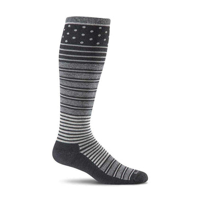 Sockwell Women's Twister Firm Compression Socks, Black