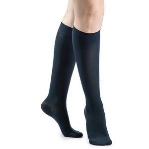 Sigvaris Soft Opaque Women's 15-20 mmHg Knee High, Midnight Blue