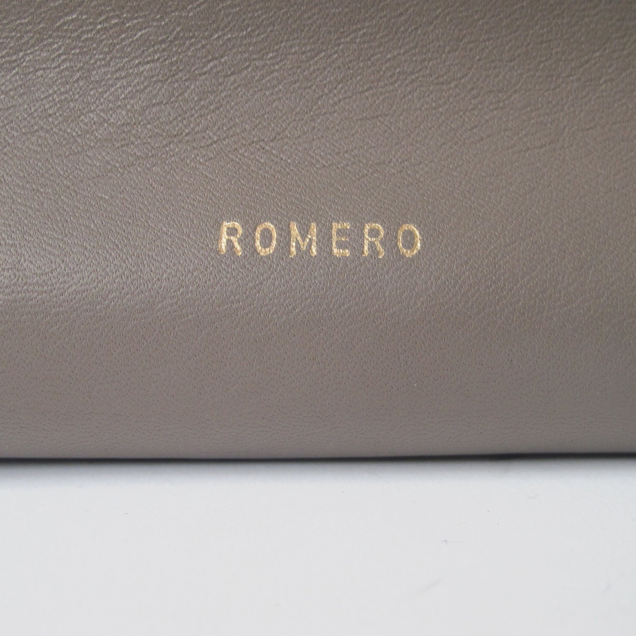 Romero Laptop Case - Lesetta
