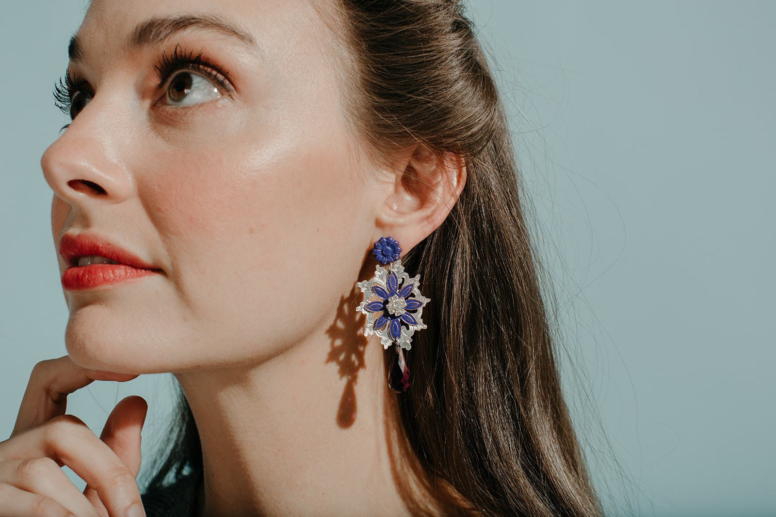 Flora Drop Colgante Earrings
