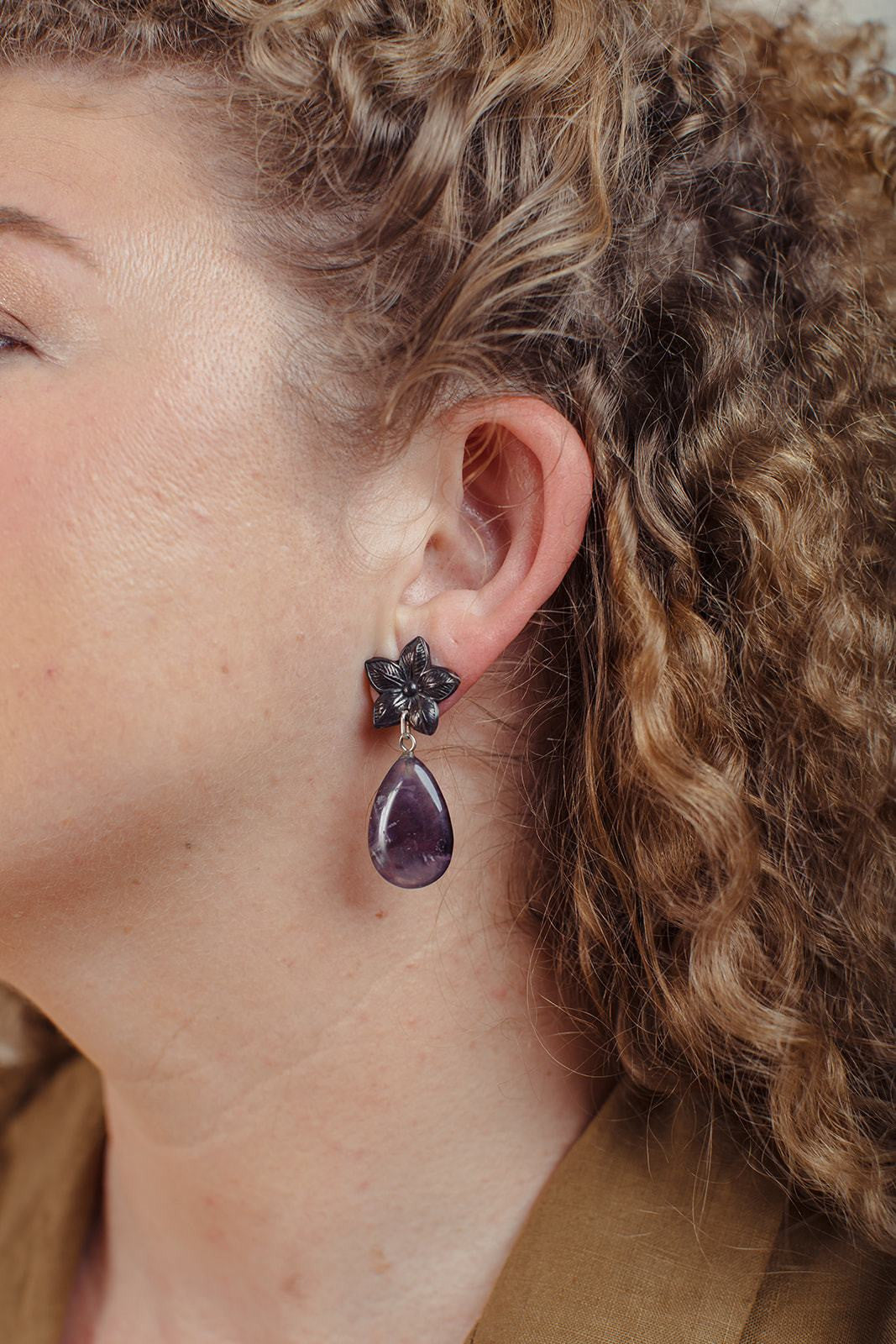 Flor Estrella Amethyst Earrings