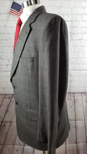 Jos A. Bank Men's Gray Plaid Two Button Wool Suit 42R 38X30 - SUIT CHARITY OUTLET