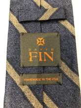 NEW NWOT David Fin Men's Navy Blue Gray Stripe Silk Neck Tie - SUIT CHARITY OUTLET