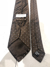 Giorgio Armani Men's Brown Paisley Pattern Silk Neck Tie - SUIT CHARITY OUTLET