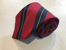 Brooks Brothers Men's Red Stripe Pattern Silk Neck Tie - SUIT CHARITY OUTLET