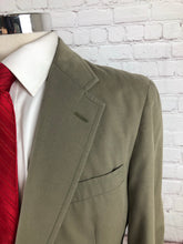 Brooks Brothers Men's Beige Two Button Suit 40R 31X29 - SUIT CHARITY OUTLET