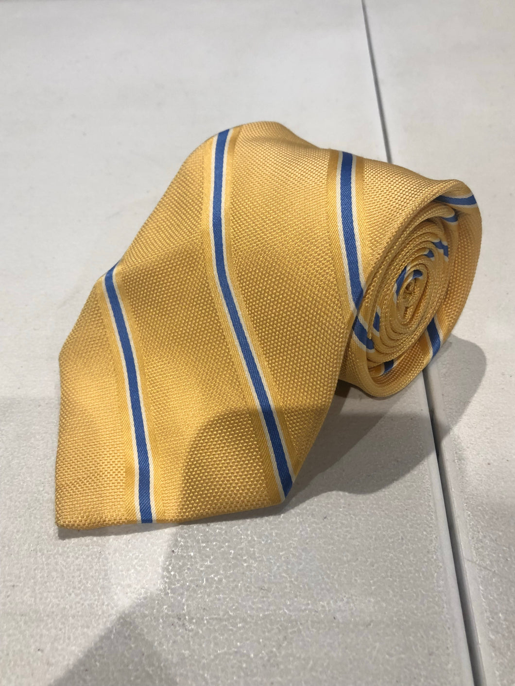 Brooks Brothers Men's Yellow Striped Silk Neck Tie - SUIT CHARITY OUTLET