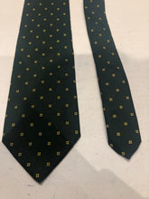 Brooks Brothers Men's Green Geometric Pattern Silk Neck Tie - SUIT CHARITY OUTLET