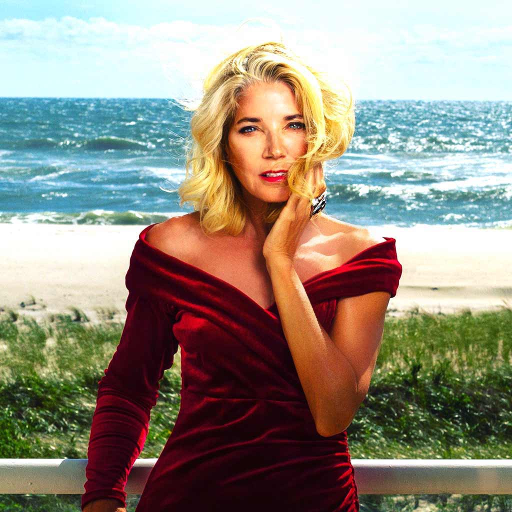 Candace Bushnell in Alex Soldier