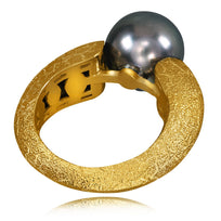 Gold Ring with Tahitian Grey Pearl