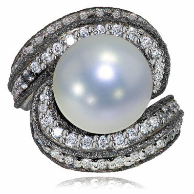 White Gold Twist Ring With Pearl, Diamonds And Contrast Texture