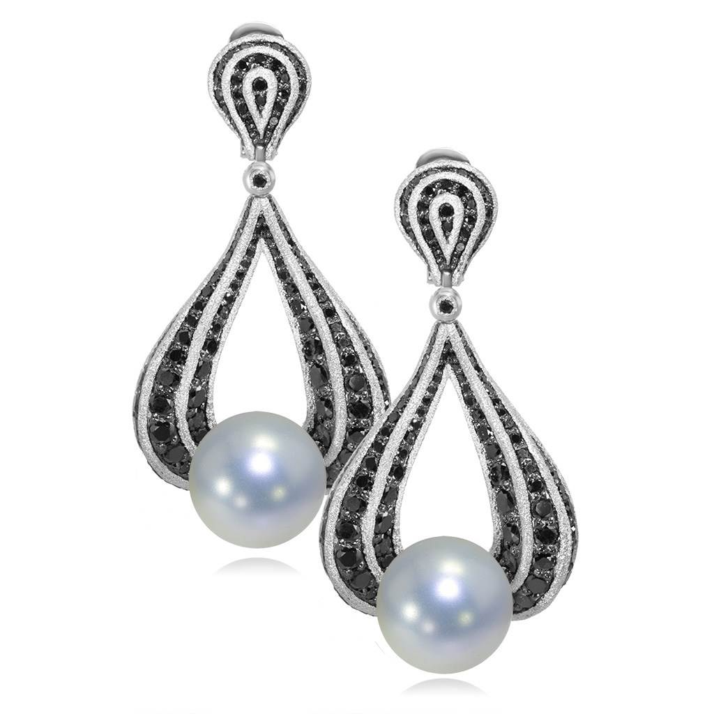 Gold Twist Earrings With Freshwater Pearl & Diamonds