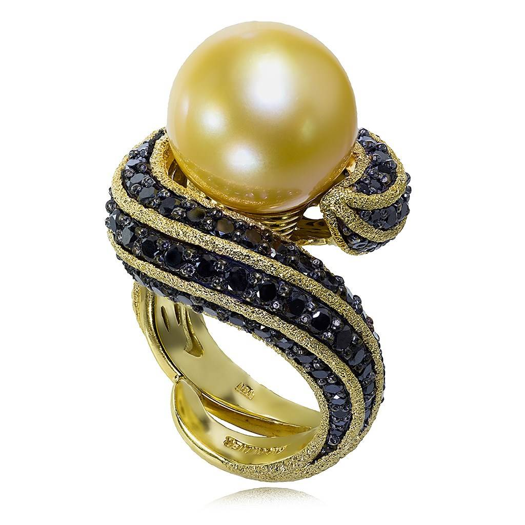 YELLOW GOLD TWIST RING WITH GOLDEN SOUTH SEA PEARL AND BLACK DIAMONDS