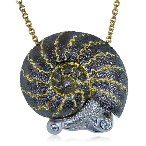 DIAMOND AND GOLD LITTLE SNAIL PENDANT ON CHAIN