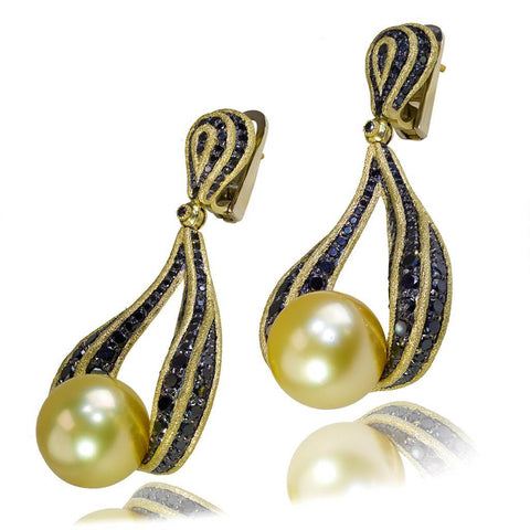 YELLOW GOLD TWIST EARRINGS WITH GOLDEN SOUTH SEA PEARL AND BLACK DIAMONDS