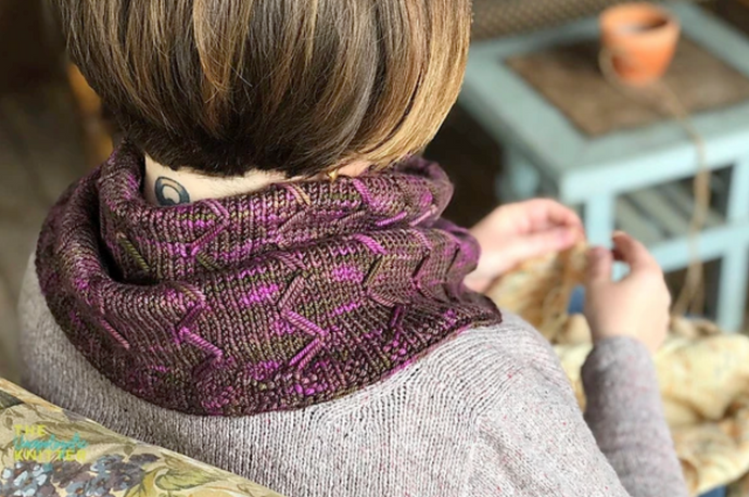 K12tog December Project - Cabin Rose Cowl