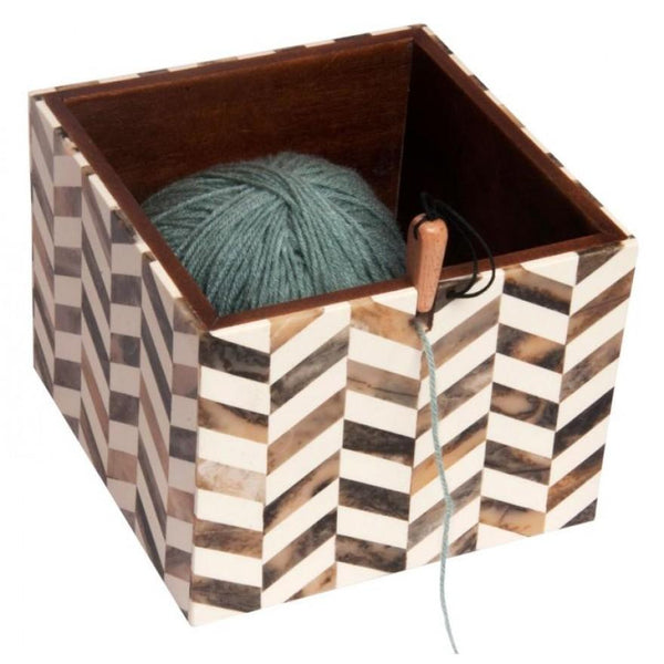 pearly yarn box