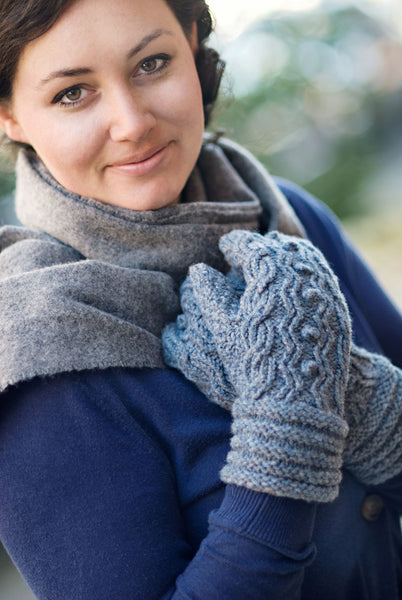Woodruff cabled mittens