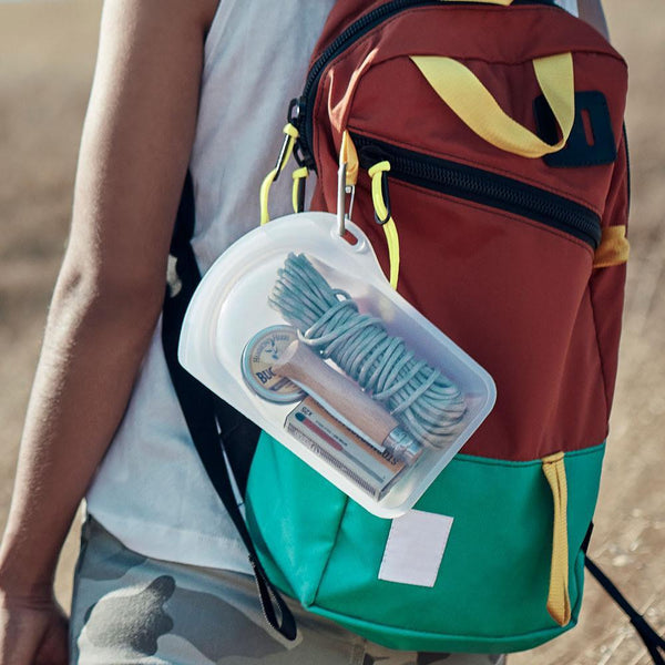 stasher go bag with clip