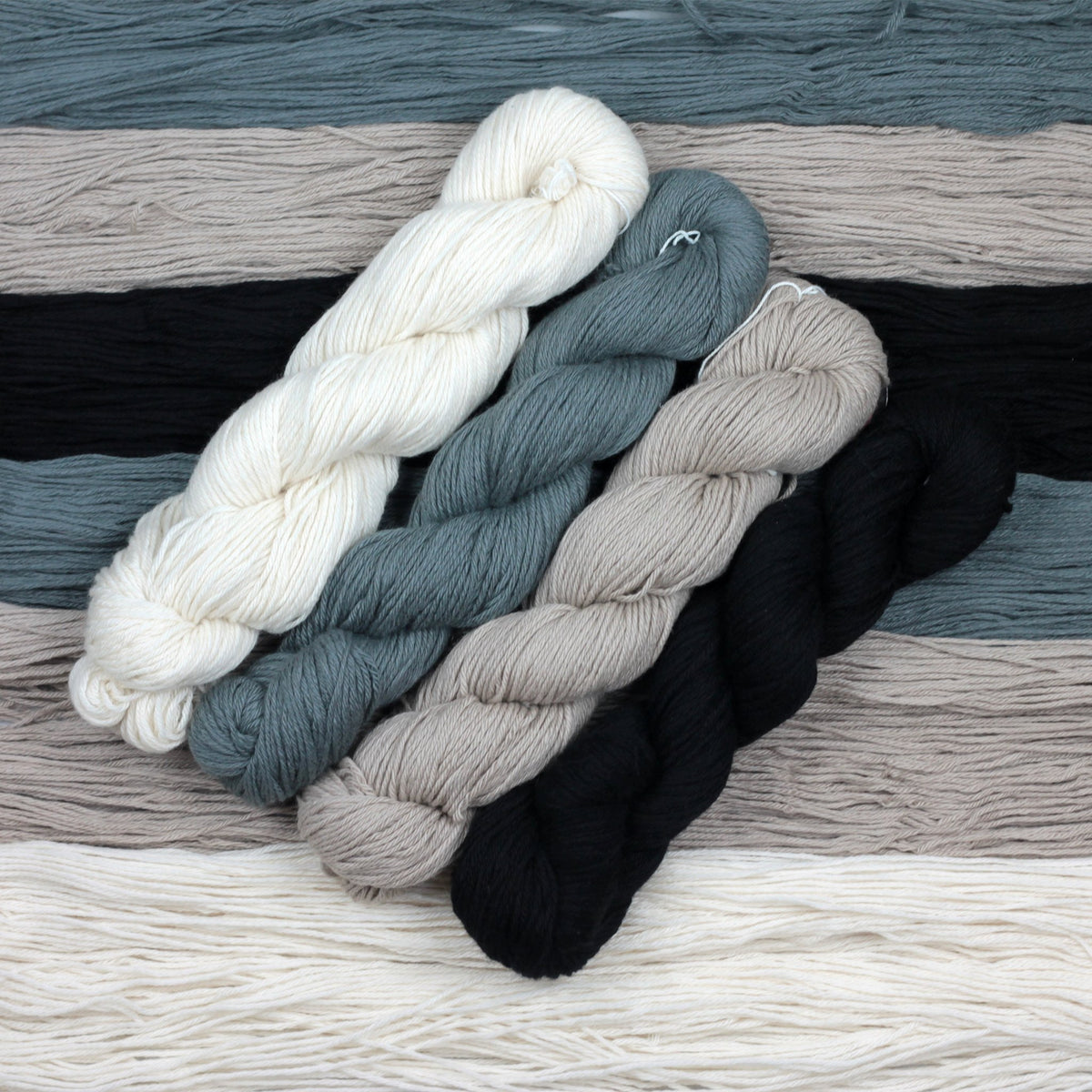 | Jojoland 4-Ply Cashmere Yarn | Twisted