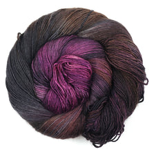 Romeo & Juliet | Kim Dyes Yarn Profiterole Fingering yarn | Twisted
