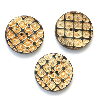 | Skacel Etched Grid Horn Buttons | Twisted