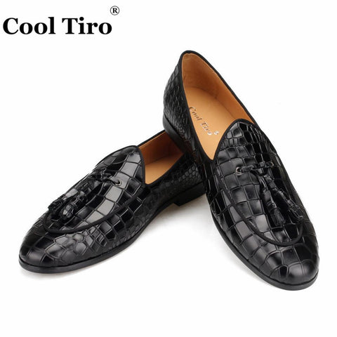 Cool Tiro Black Crocodile Loafers Tassels Men Moccasins Slippers Wedding Dress Shoes Flats Casual Shoes Genuine Leather Formal