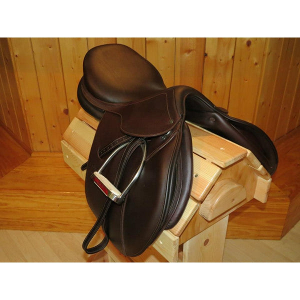 "PJ Pro Saddle 18"" Seat XWide Tree Forward Flap"