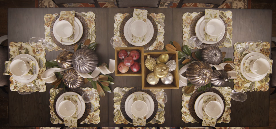Thanksgiving Tablescape Designs