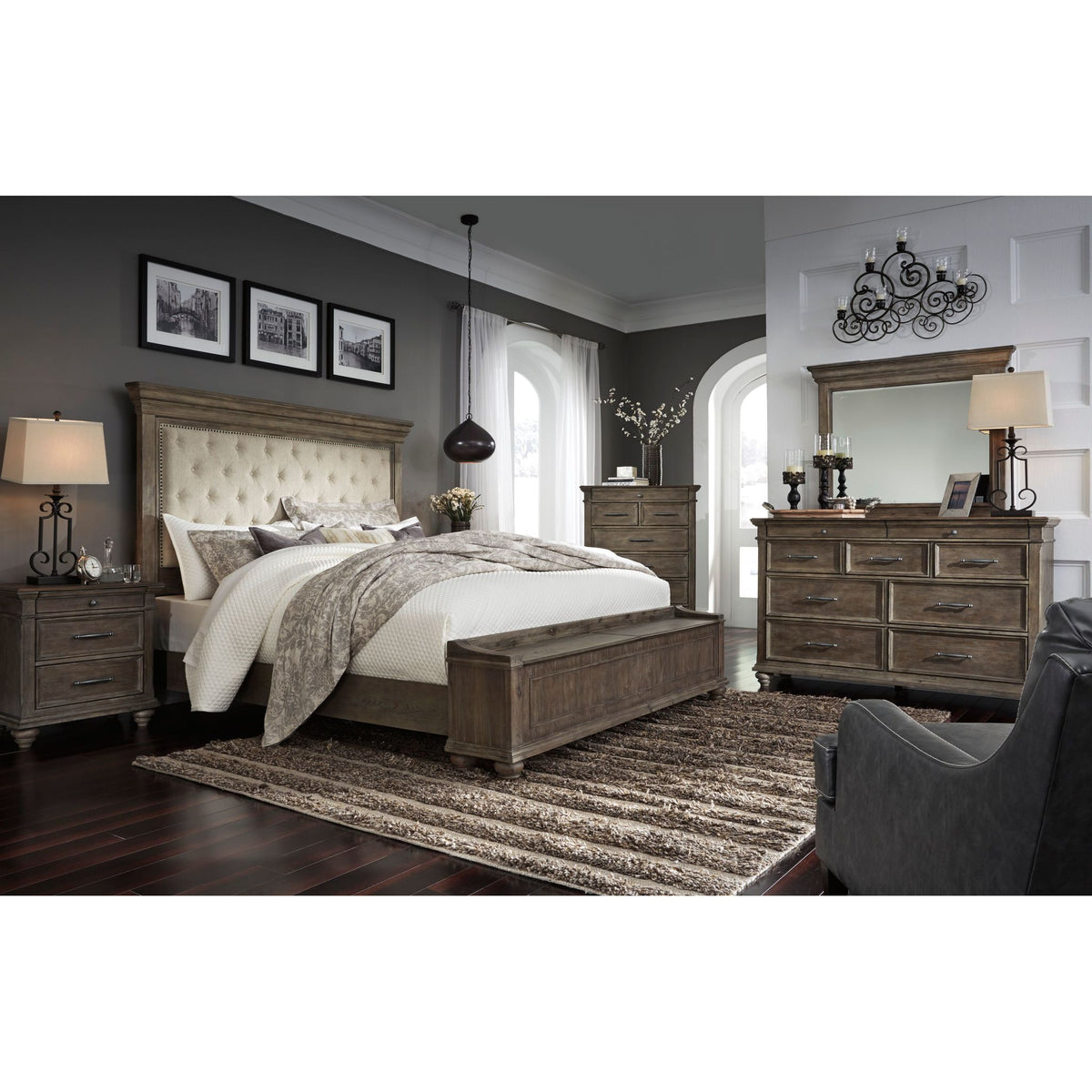 Picture of: Johnelle Exclusive 5 Piece Upholstered Bedroom Ashley Homestore Canada