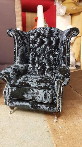 CRUSHED VELVET WING CHAIR