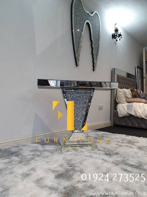 Crushed Diamond V Console Table