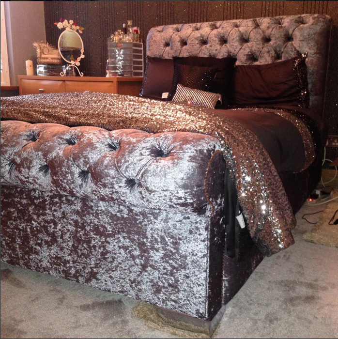 SLEIGH CHESTERFIELD FABRIC SLEIGH BED