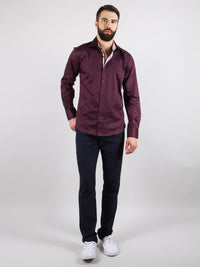 grape vine shirt model walking image
