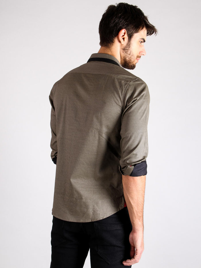 stone grill shirt model back image