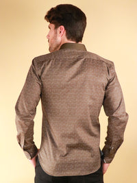 weave loom shirt model image from back