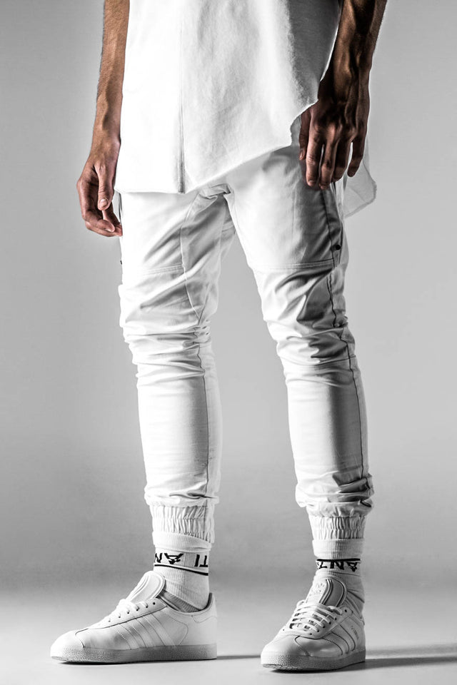 COMPONENT SNEAKER PANT - White