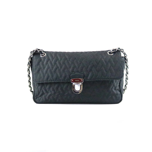 Nylon Tessuto Quilted Flap Bag