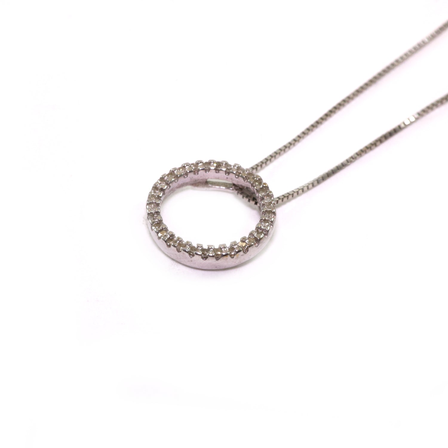 10k Gold Genuine Diamond Circle Pendant Necklace