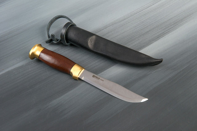 Helle Blafjell, knife
