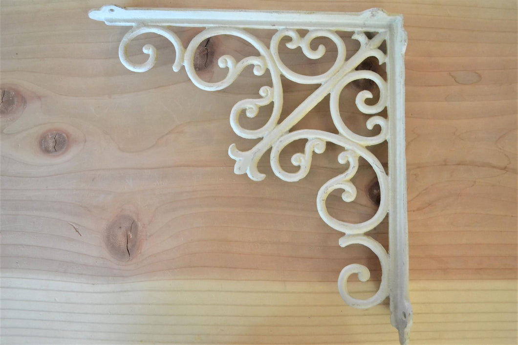 Bracket | Victorian Large White