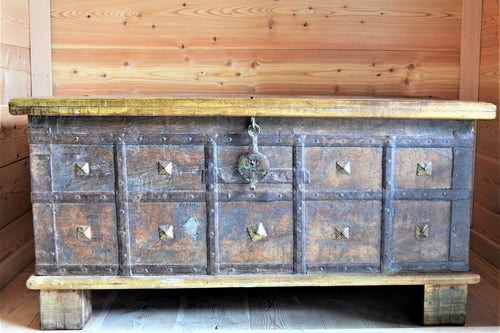 Reclaimed Trunk with Brass Accents - DemXx Online
