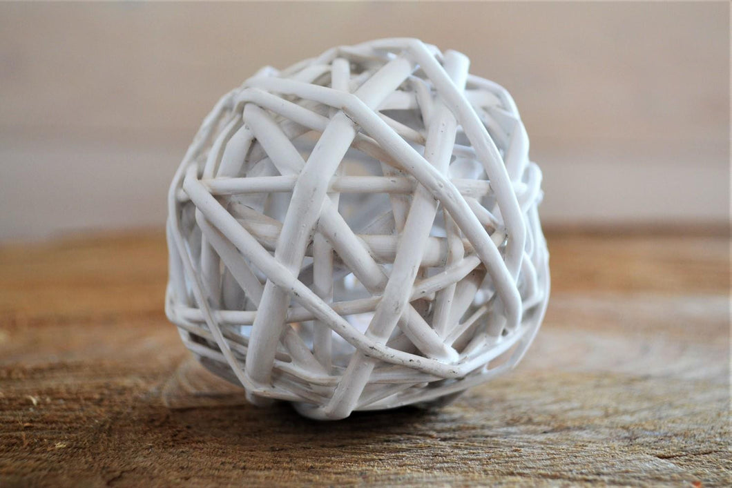 Willow Ball | White Small