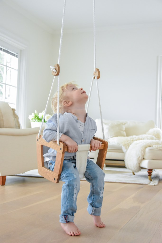 Lillagunga Toddler Swing - Oak with White Leather