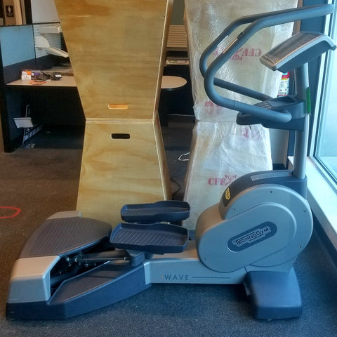 TECHNOGYM WAVE EXC 700i P LED