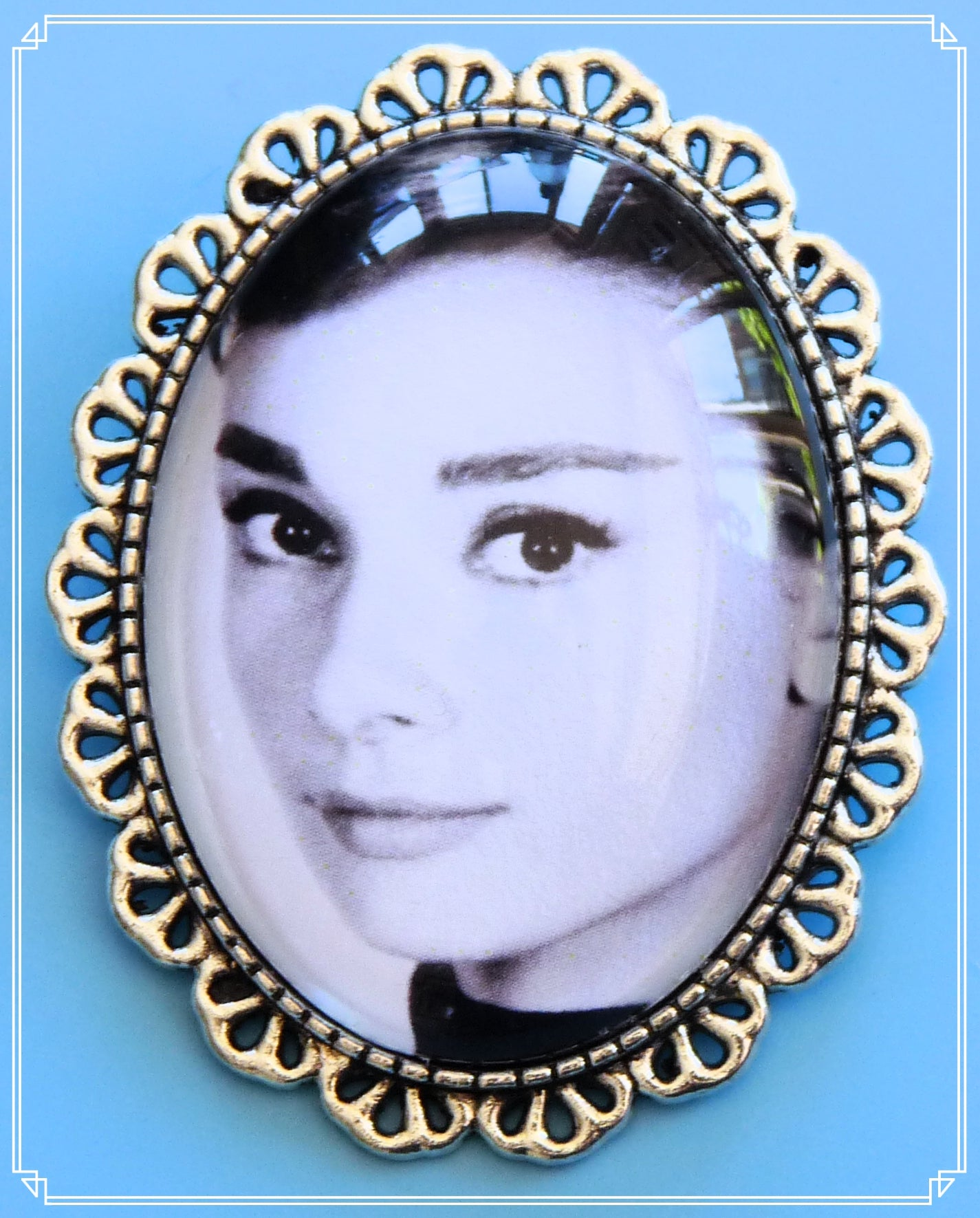 Silver Screen Sirens - Aud brooch