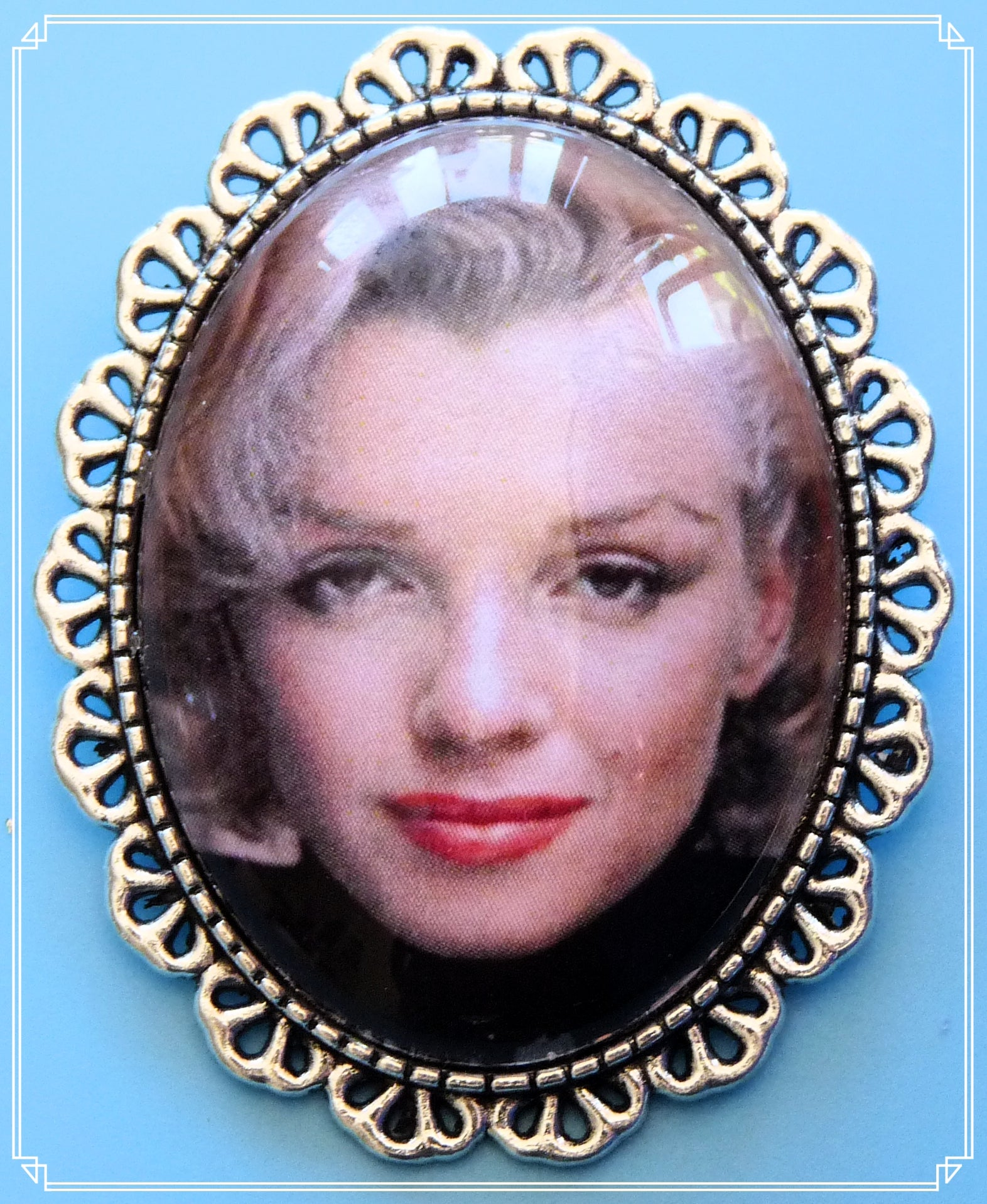 Silver Screen Sirens - Blonde Bombshell brooch