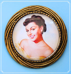 Pinup Peaches - Joy brooch