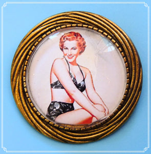 Pinup Peaches - Millie brooch